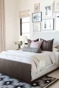 Beautiful gallery wall bedroom ideas (6)
