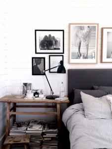 Beautiful gallery wall bedroom ideas (7)