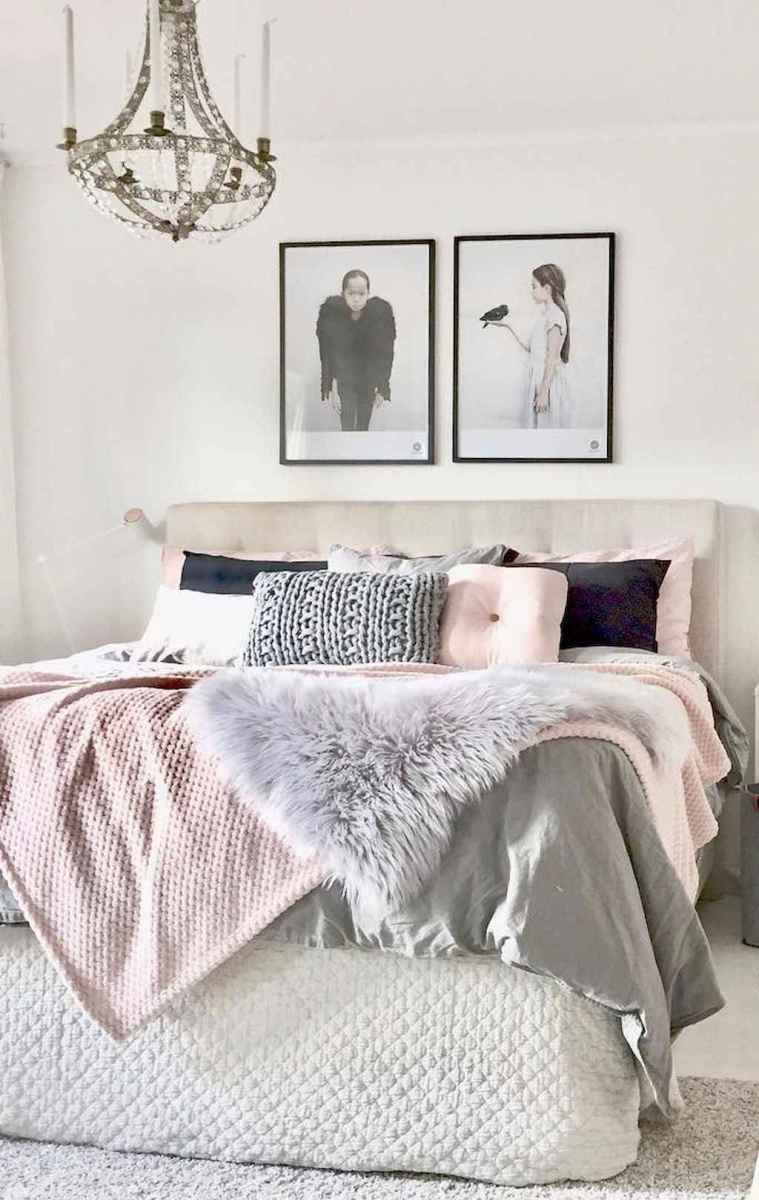 Simply bedroom decoration ideas (39)