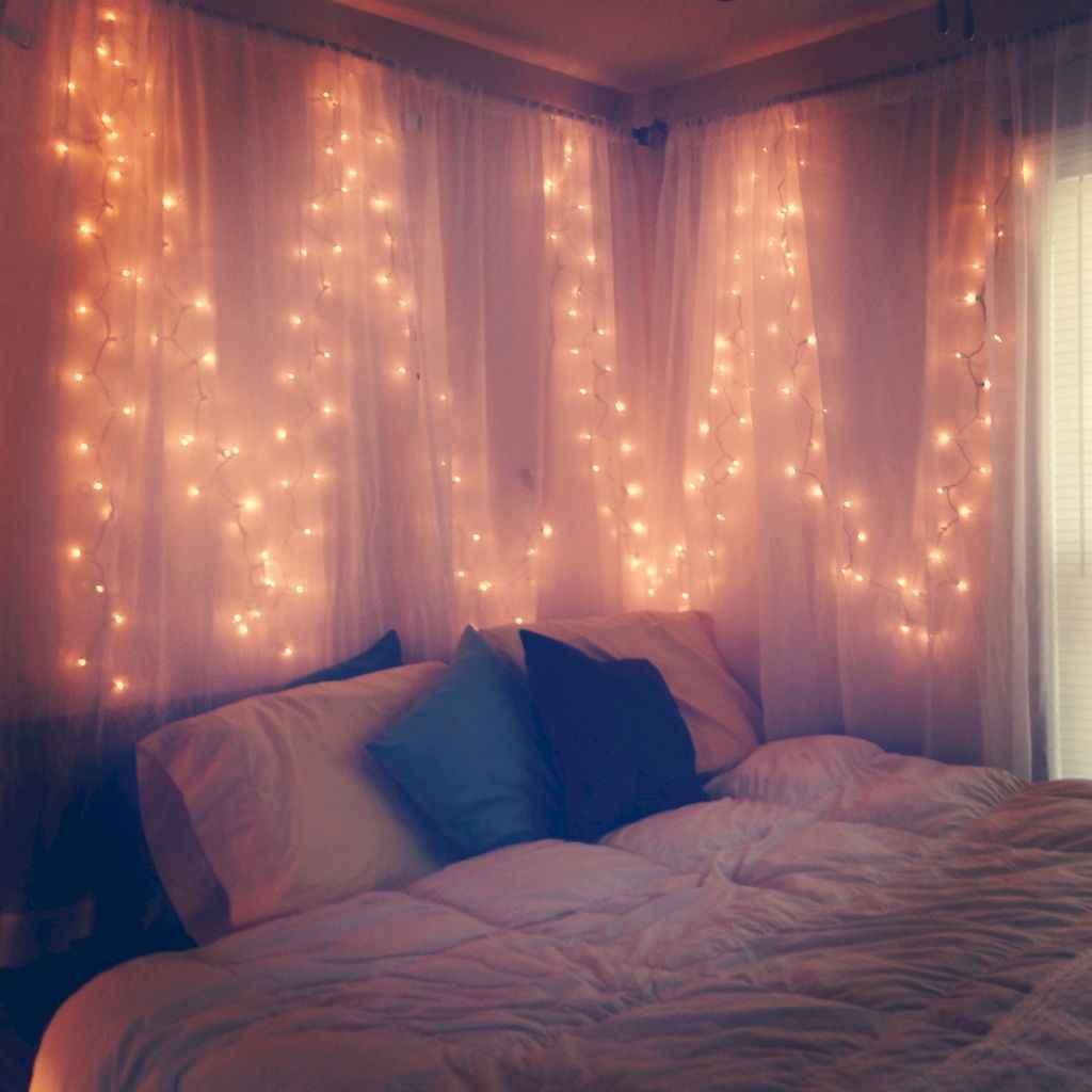 30+ diy apartment decorating christmas lights (21)