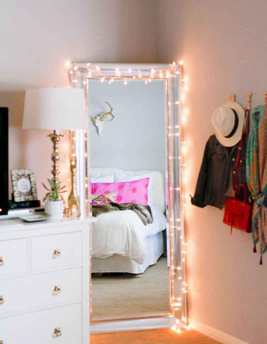 30+ diy apartment decorating christmas lights (22)