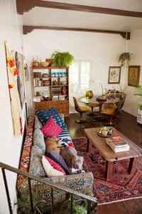 40 boho chic first apartment decor ideas (29)