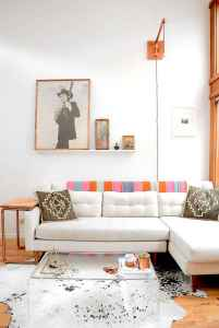 40 boho chic first apartment decor ideas (42)