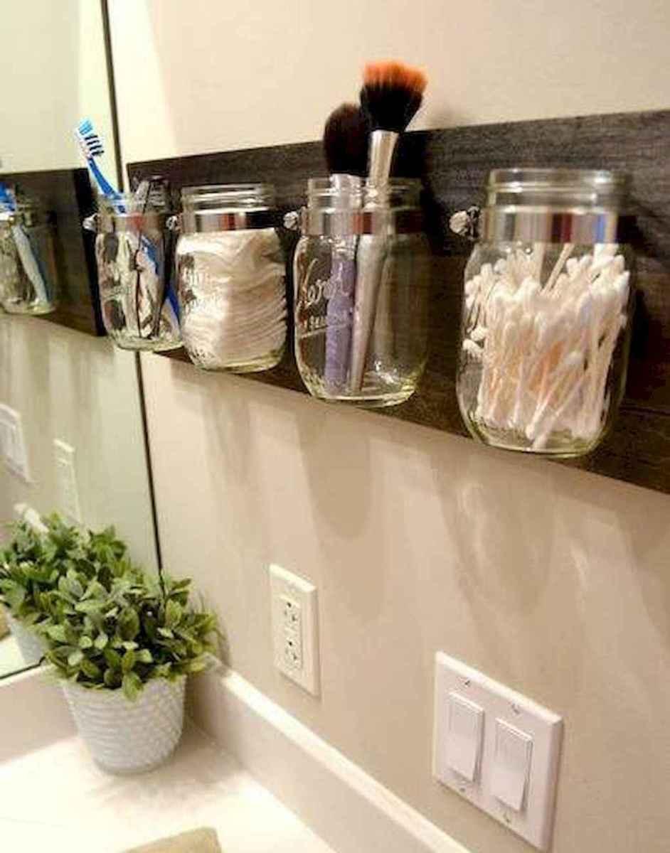 40 easy master bathroom organization ideas (21)