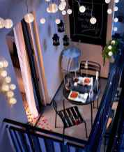 50 affordable small first apartment balcony decor ideas (28)