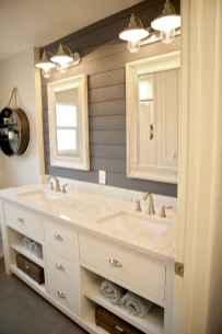 50 rustic farmhouse master bathroom remodel ideas (24)