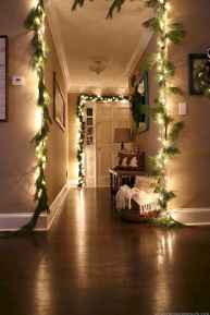60 apartment decorating ideas for christmas (45)