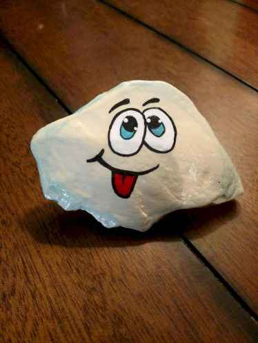 70 diy painted rock for first apartment ideas (22)