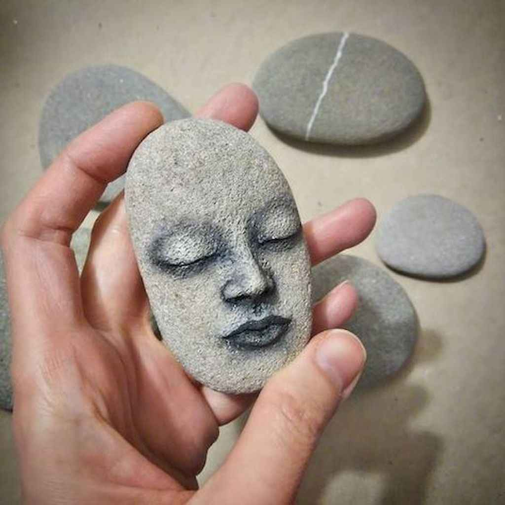 70 diy painted rock for first apartment ideas (29)