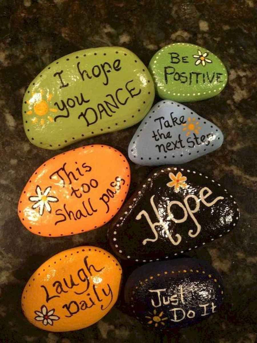 70 diy painted rock for first apartment ideas (48)