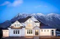 70 stunning farmhouse exterior design ideas (39)