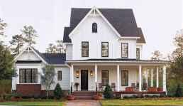 70 stunning farmhouse exterior design ideas (40)