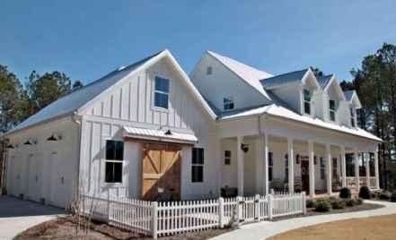 70 stunning farmhouse exterior design ideas (50)