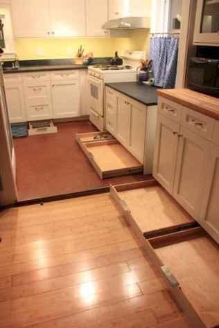 150 gorgeous farmhouse kitchen cabinets makeover ideas (24)