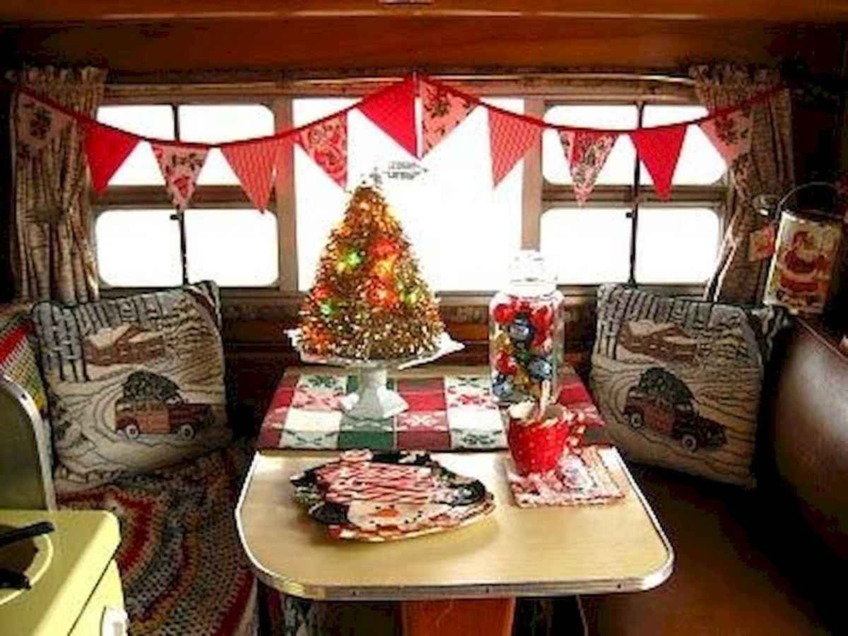20 awesome rv campers christmas decorations ideas (2)