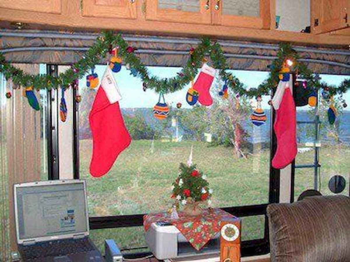 20 awesome rv campers christmas decorations ideas (6)