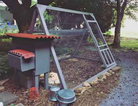 20 creative diy chicken coop ideas on a budget (11)