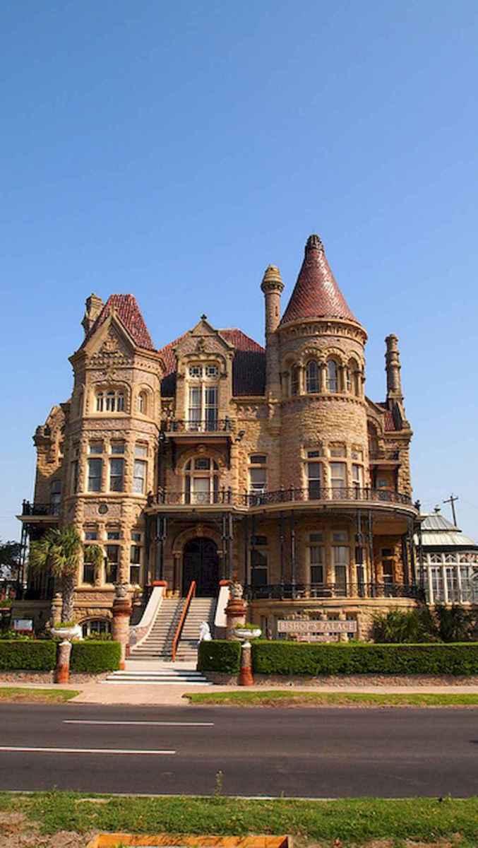 40 modern castle homes exterior landscaping (32)