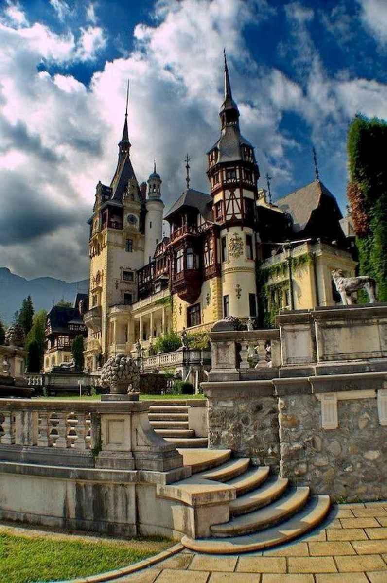 40 modern castle homes exterior landscaping (37)