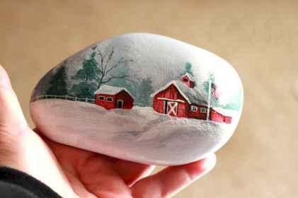 54 easy diy christmas painted rock ideas (23)