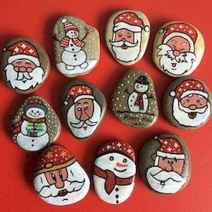 54 easy diy christmas painted rock ideas (8)