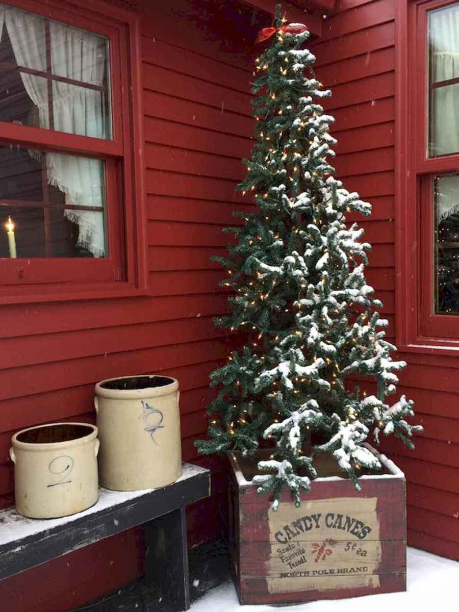 55 awesome christmas front porches decor ideas (3)