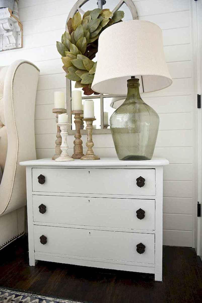 60 beautiful beside table decor ideas (56)