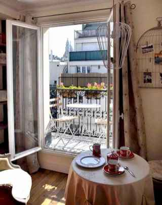 111 beautiful parisian chic apartment decor ideas (100)
