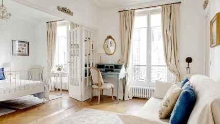111 beautiful parisian chic apartment decor ideas (52)