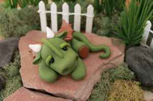 120 easy to try diy polymer clay fairy garden ideas (18)
