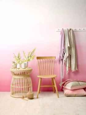 22 diy painted ombre wall for apsrtment decor ideas (19)