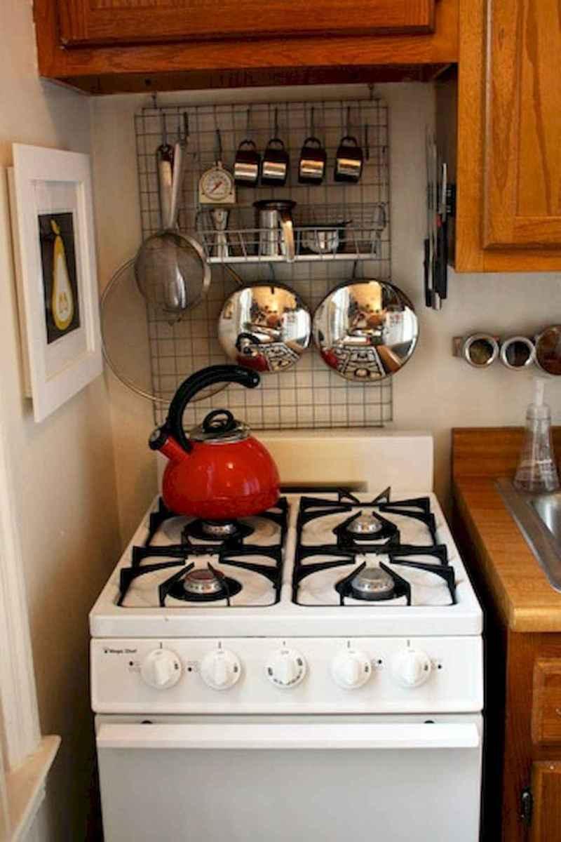 50 miraculous apartment kitchen rental decor ideas (13)