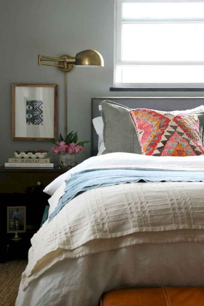 60 cool eclectic master bedroom decor ideas (37)