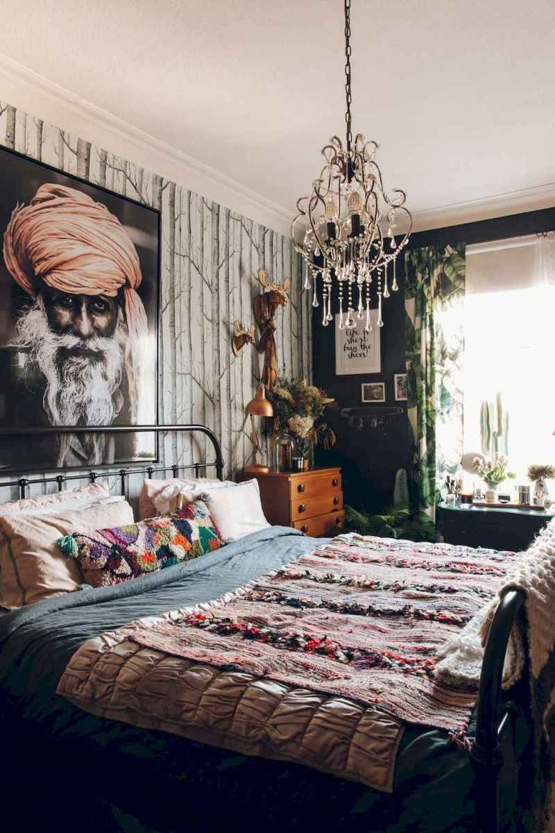 60 cool eclectic master bedroom decor ideas (44)
