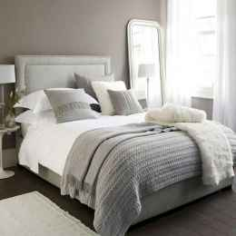 60 romantic master bedroom decor ideas (45)