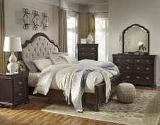 60 romantic master bedroom decor ideas (51)