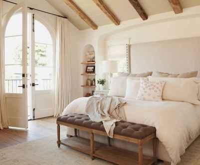 60 romantic master bedroom decor ideas (55)