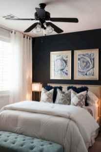 60 simply small master bedroom decor ideas (5)