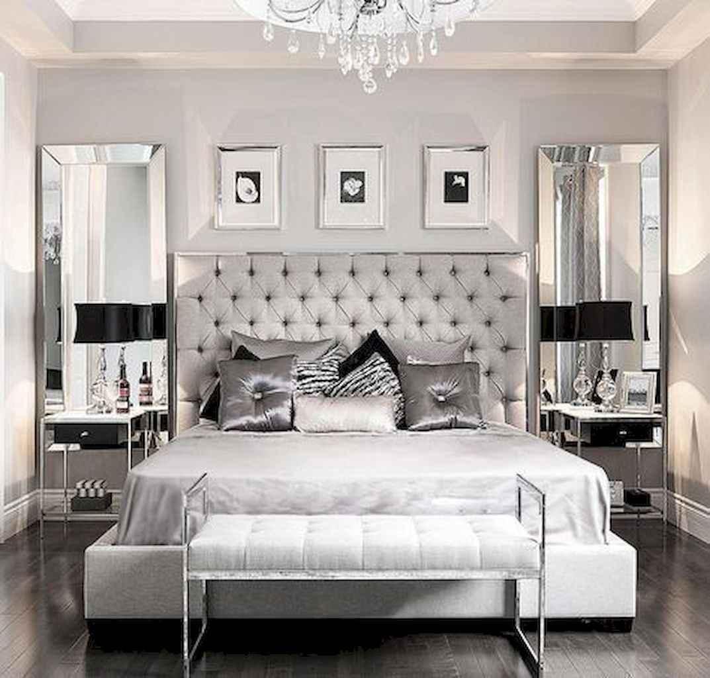 60 simply small master bedroom decor ideas (7)