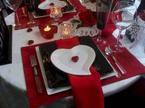 66 romantic valentines table settings decor ideas (65)