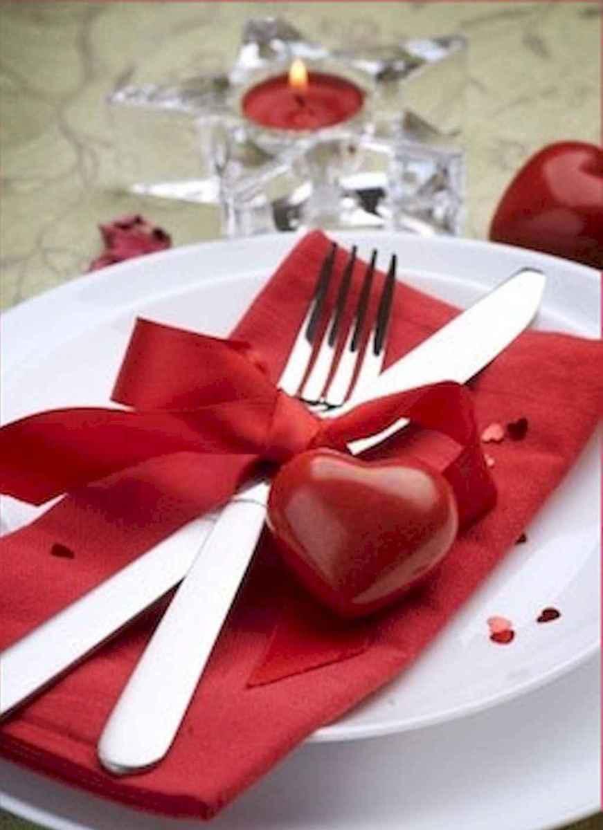 66 romantic valentines table settings decor ideas (7)
