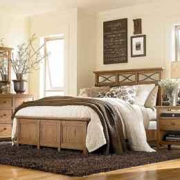 80 relaxing master bedroom decor ideas (16)
