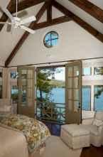 80 relaxing master bedroom decor ideas (45)