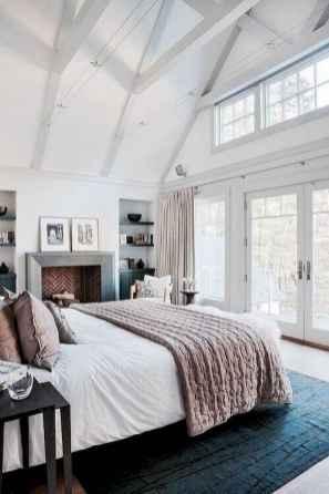 80 relaxing master bedroom decor ideas (62)
