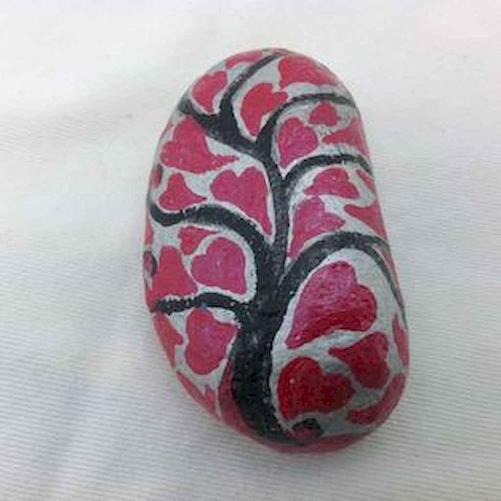 80 romantic valentine painted rocks ideas diy for girl (16)