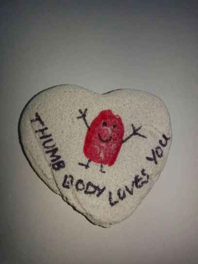 80 romantic valentine painted rocks ideas diy for girl (32)
