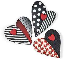 80 romantic valentine painted rocks ideas diy for girl (37)