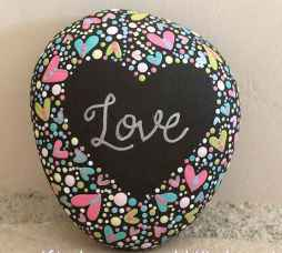 80 romantic valentine painted rocks ideas diy for girl (41)