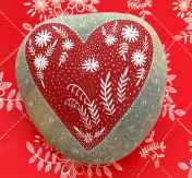 80 romantic valentine painted rocks ideas diy for girl (59)