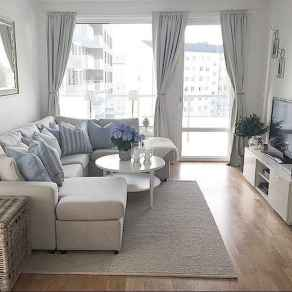 80 smart solution small apartment living room decor ideas (62)